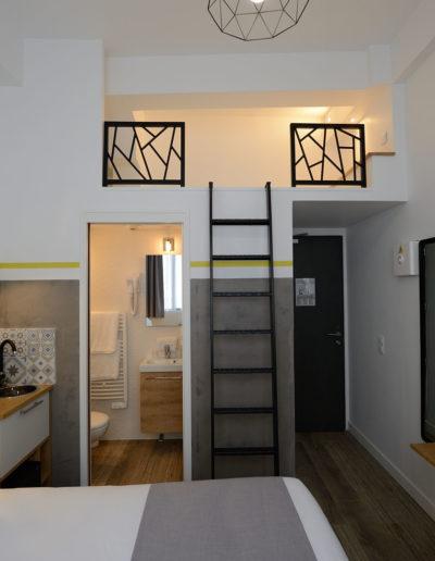 Chambre avec mezzanine, dans notre hôtel moderne à Paris, l'hôtel Terre Neuve.