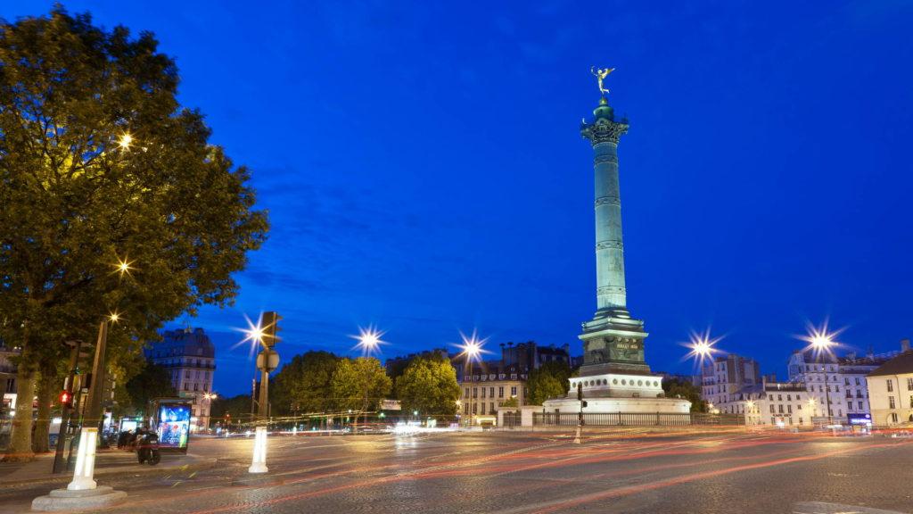 Monument à proximité de l'hôtel Terre Neuve, à Nation Paris