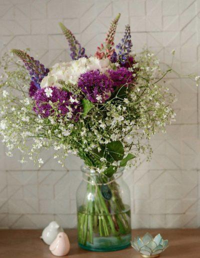 Bouquet de fleurs et décoration dans notre hôtel dans Paris 20, l'hôtel Terre Neuve.